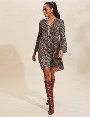 ODD MOLLY - Harper Dress - hverdagskjoler - asphalt - 0