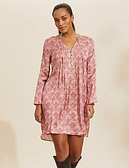 ODD MOLLY - Harper Dress - hverdagskjoler - blush pink - 0