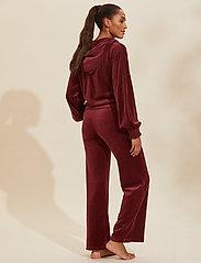 ODD MOLLY - Marion Pants - sweatpants - baked burgundy - 3