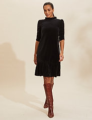 ODD MOLLY - Marion Dress - hverdagskjoler - almost black - 0