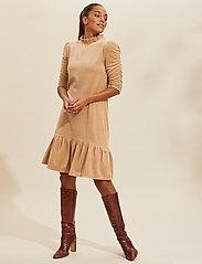 ODD MOLLY - Marion Dress - hverdagskjoler - soft taupe - 0