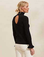 ODD MOLLY - Liza Turtle L/S Top - rullekraver - almost black - 3