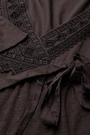 ODD MOLLY - get-a-way l/s dress - slå-om-kjoler - black lava - 2