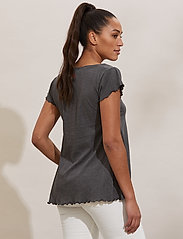 ODD MOLLY - Carole Top - t-shirts - asphalt - 3