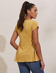 ODD MOLLY - Carole Top - t-shirts - golden biscotti - 3