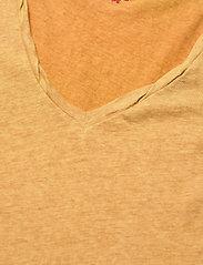 ODD MOLLY - Carole Top - t-shirts - golden biscotti - 4