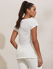 ODD MOLLY - Carole Top - t-shirts - light chalk - 3