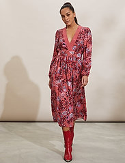 ODD MOLLY - Jacqueline Dress - hverdagskjoler - cranberry - 0
