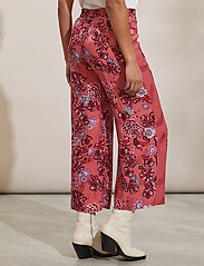 ODD MOLLY - Jacqueline Pants - casual bukser - cranberry - 5