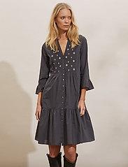ODD MOLLY - Kayla Dress - sommerkjoler - asphalt - 0