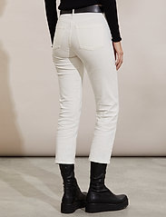 ODD MOLLY - Louise Pants - slim fit bukser - offwhite - 3