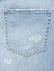 386b7b1e15e79e Peace Player Denim Jeans (Light Blue) (£199) - ODD MOLLY - | Boozt.com
