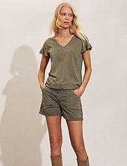 ODD MOLLY - Heather Shorts - shorts casual - faded cargo - 0