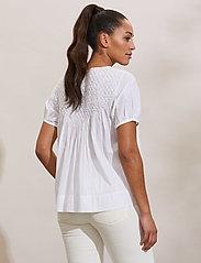 ODD MOLLY - Darya Blouse - kortærmede bluser - bright white - 4