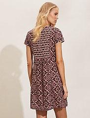 ODD MOLLY - Myrtle Short Dress - sommerkjoler - asphalt - 3