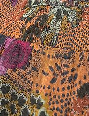 ODD MOLLY - Flora Skirt - maxi nederdele - apricot tan - 4