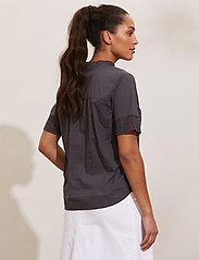 ODD MOLLY - Cassia Blouse - short-sleeved blouses - asphalt - 3