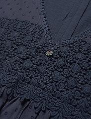 ODD MOLLY - Finest Embroidery Dress - sommerkjoler - dark blue - 4