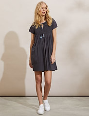 ODD MOLLY - Darya Dress - sommerkjoler - asphalt - 0