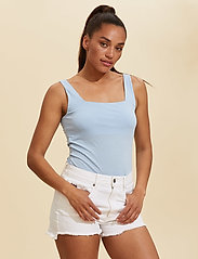 ODD MOLLY - Odd Appealing Tank Top - hauts sans manches - pearl blue - 0