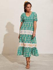 ODD MOLLY - Jovena Dress - sommerkjoler - sparkling green - 0