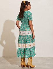 ODD MOLLY - Jovena Dress - sommerkjoler - sparkling green - 3