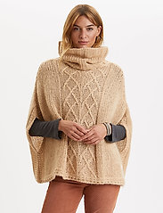 ODD MOLLY - Significant Other Poncho - ponchos & capes - soft camel - 0