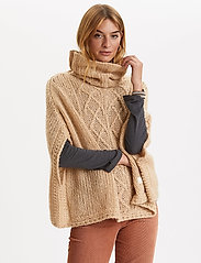 ODD MOLLY - Significant Other Poncho - ponchos & capes - soft camel - 3