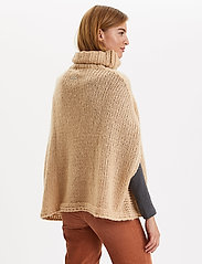 ODD MOLLY - Significant Other Poncho - ponchos & capes - soft camel - 4