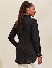 ODD MOLLY - Vivian Shirt - langærmede bluser - almost black - 3