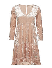just like me dress - POWDER PINK