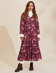 ODD MOLLY - Doreen Dress - midi kjoler - dark purple - 0