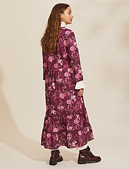 ODD MOLLY - Doreen Dress - midi kjoler - dark purple - 3