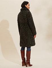 ODD MOLLY - Amandine Long Jacket - fausse fourrure - green asphalt - 4