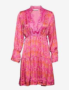 Brilliant & Brave Short Dress - SPARKLING FUCHSIA