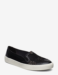 perfect punch slip-in sneaker - BLACK