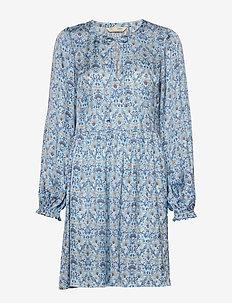 Sensational Short Dress - korte kjoler - spring blue
