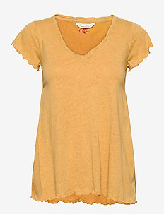 Carole Top - t-shirts - golden biscotti