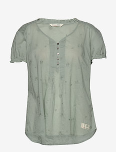 On Point Blouse - WASHED CARGO