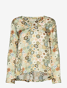 molly-hooked blouse - LICHEN GREEN
