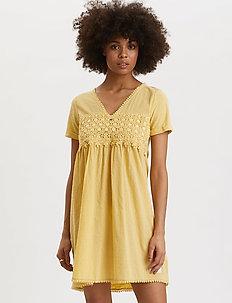Finest Embroidery Dress - korta klänningar - vintage yellow