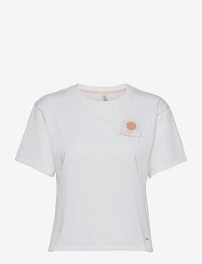 LW GRAPHIC TEE - t-shirts - powder white