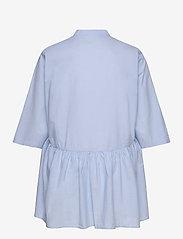 ONLY Carmakoma - CARCHICAGO LIFE 2/4 DNM TUNIC DRESS - long sleeved blouses - light blue denim - 1