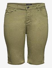 ONLY Carmakoma - CARSARAH LIFE REG SHORT PNT - chino shorts - kalamata - 0