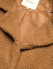 ONLY Carmakoma - CARAURA SHERPA COAT OTW - faux fur - toasted coconut - 2