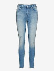 ONLY - ONLBLUSH LIFE MID SK AK RAW REA1467 NOOS - skinny jeans - light blue denim - 0