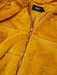 ONLY - ONLCHRIS FUR  HOODED JACKET OTW - faux fur - golden yellow - 2
