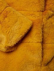 ONLY - ONLCHRIS FUR  HOODED JACKET OTW - faux fur - golden yellow - 4
