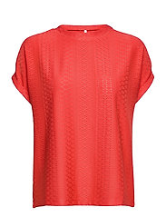 ONLIDA S/S O-NECK TOP JRS - CAYENNE