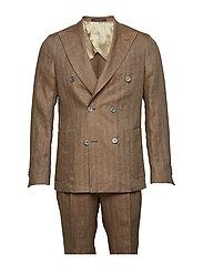 Erik Suit - 583 - CHESTNUT